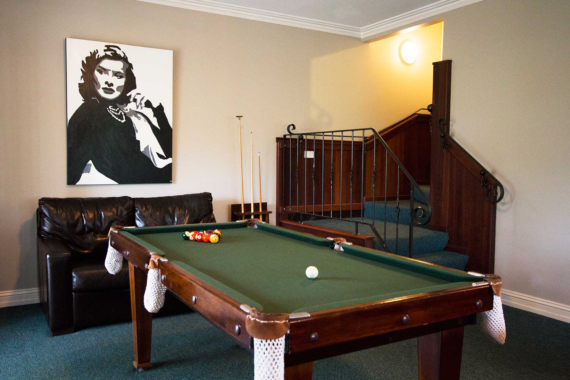 Lounge with Billiard Table