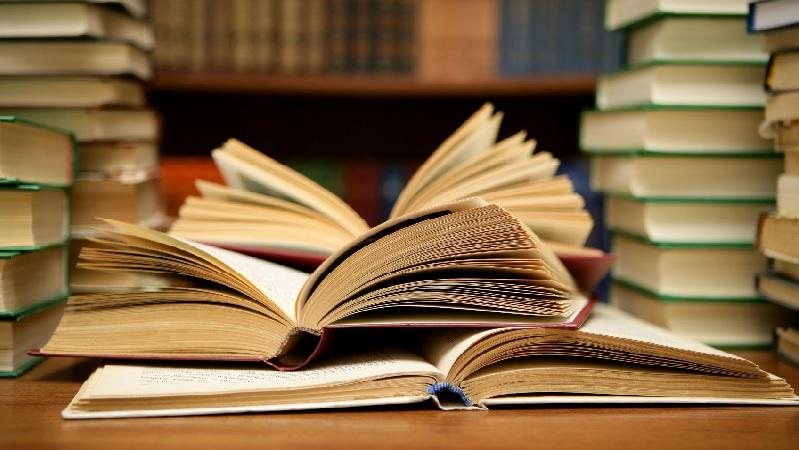5 livros que vão te ajudar a melhorar sua vida financeira