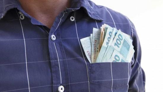 13º salário: É possível receber antes do fim do ano?