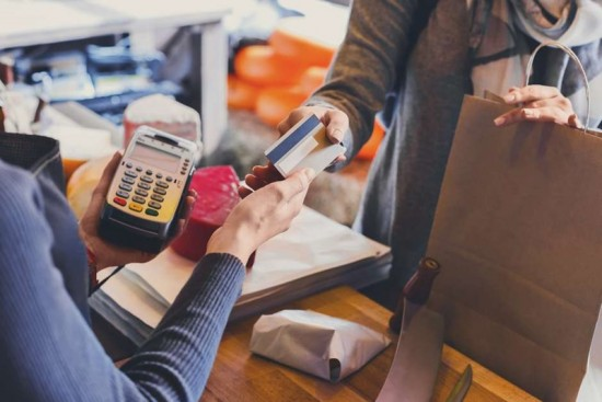 Cartão de crédito sem anuidade: Conheça suas vantagens