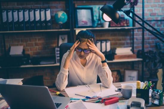 Como o estresse prejudica a sua vida financeira?