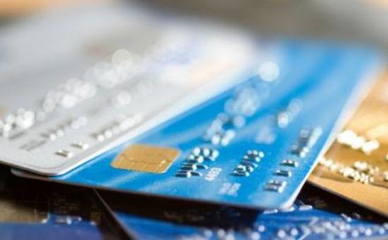 Está pensando em parcelar o cartão de crédito? Confira 5 dicas alternativas