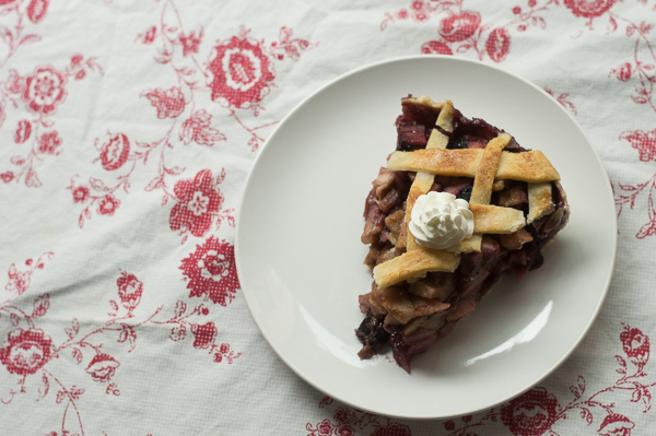 Pear and Blueberry Pie (and two minis!)