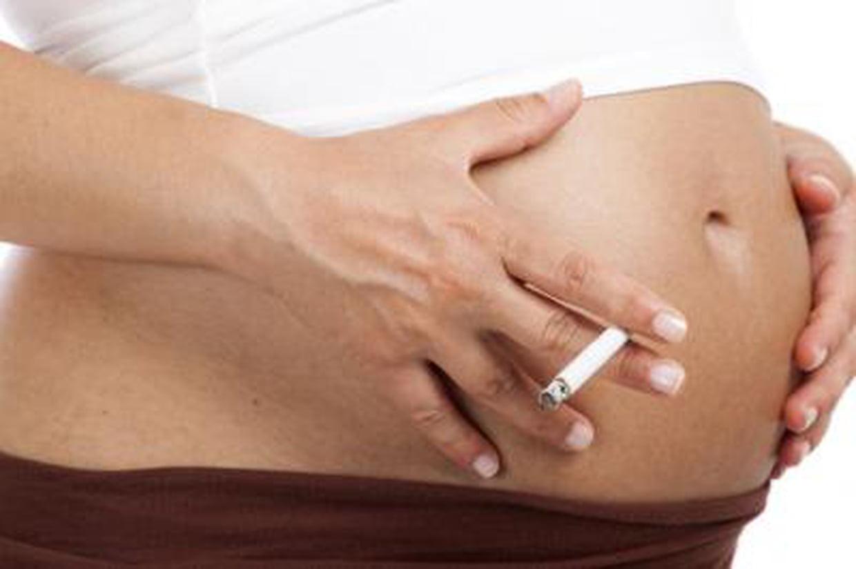 Tabac et grossesse : Très mauvais pour le bébé