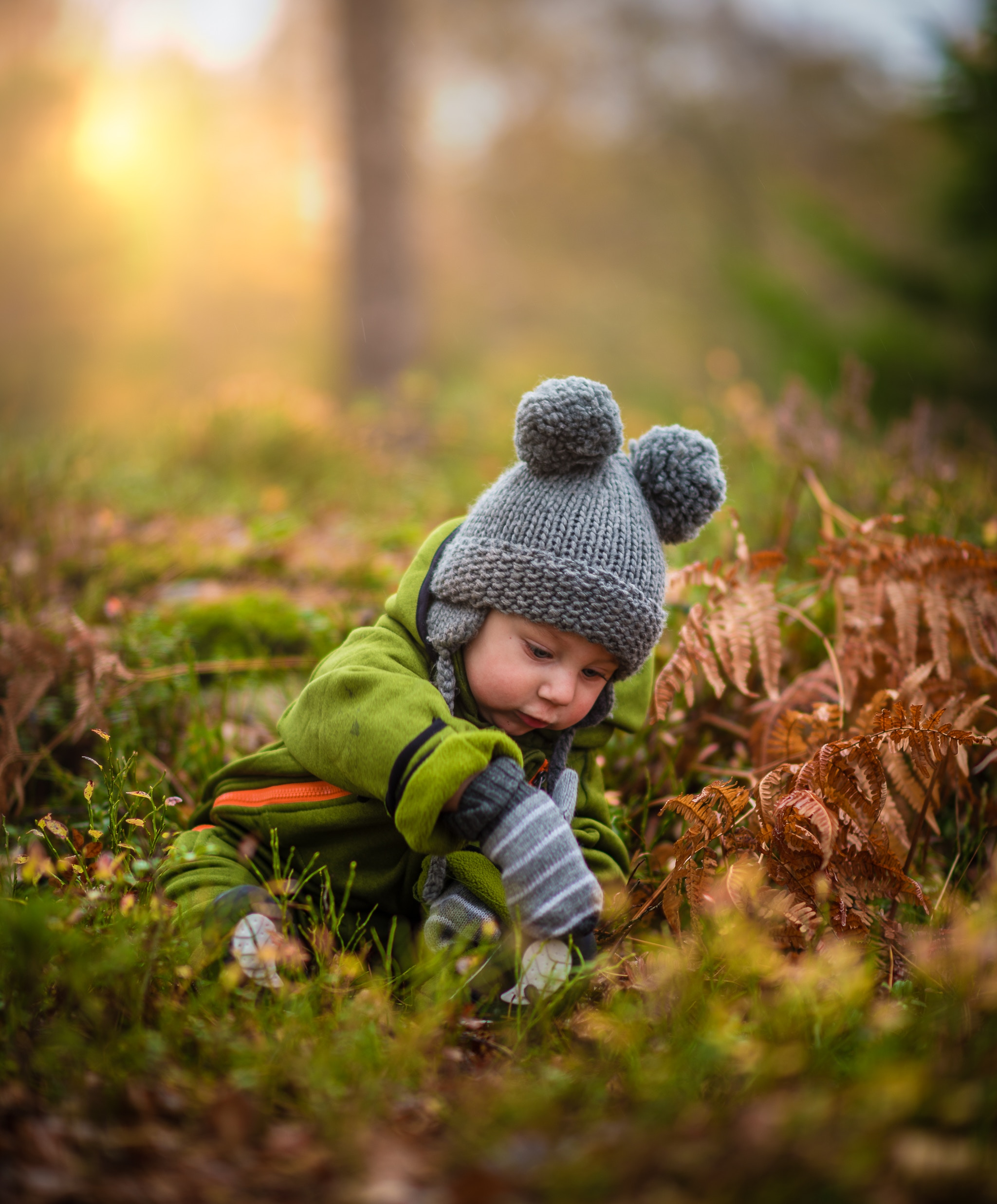 child-play-in-leaves-winter-nz-ece