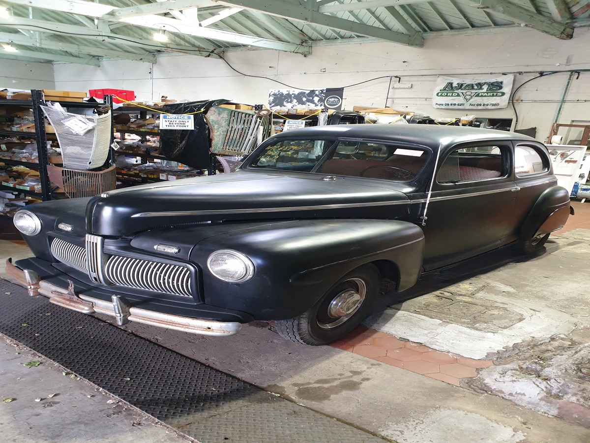 1942 Ford Tudor