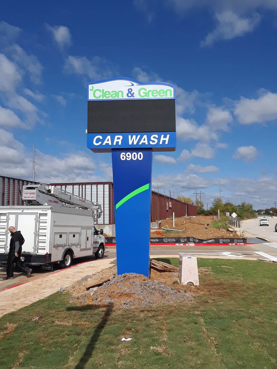 Clean & Green Carwash Pole Sign by Legacy Signs of Texas