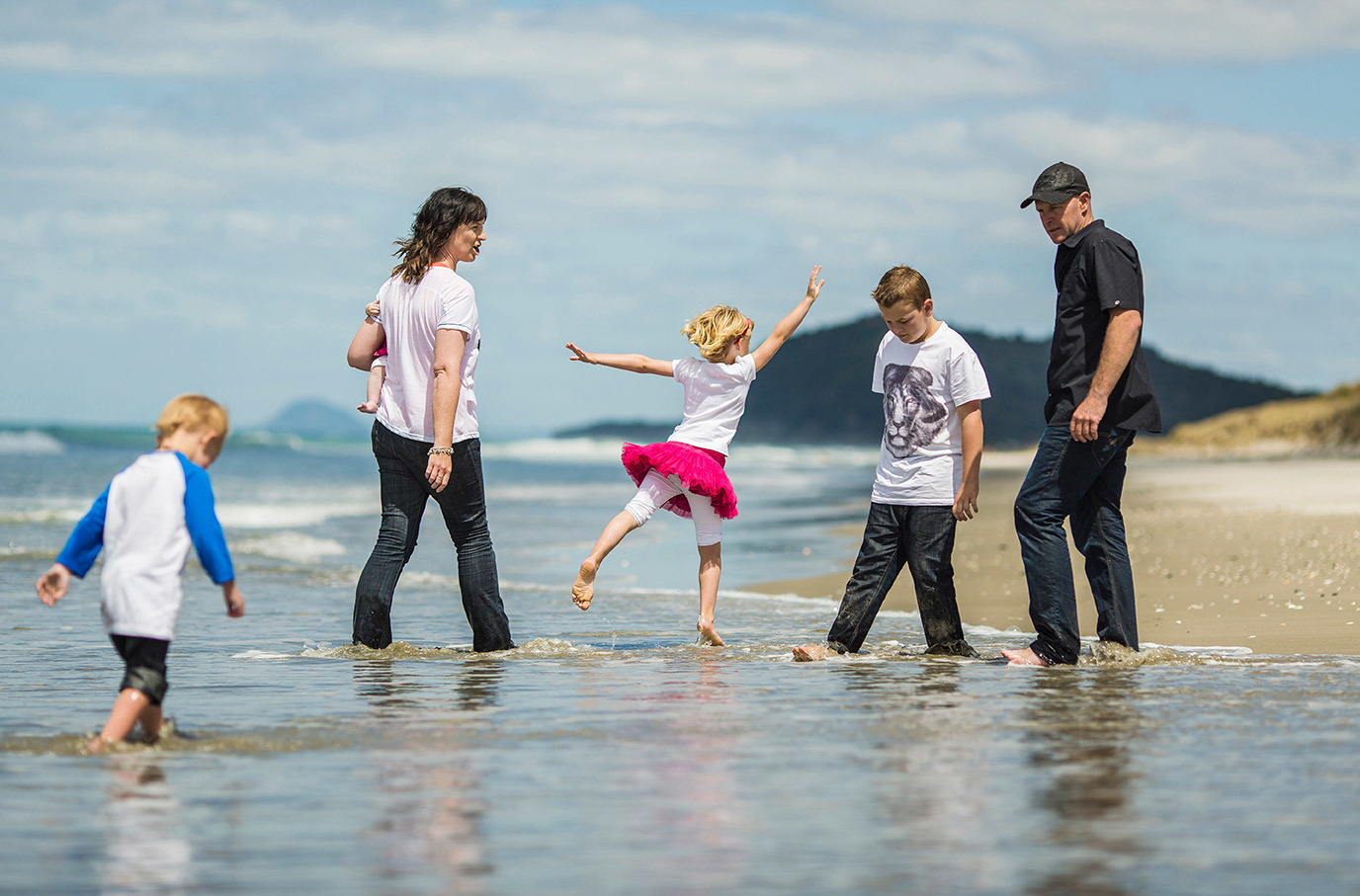 The Dodd Family - Wahi Beach 2012 - Courtesy of Mike Hill Photography