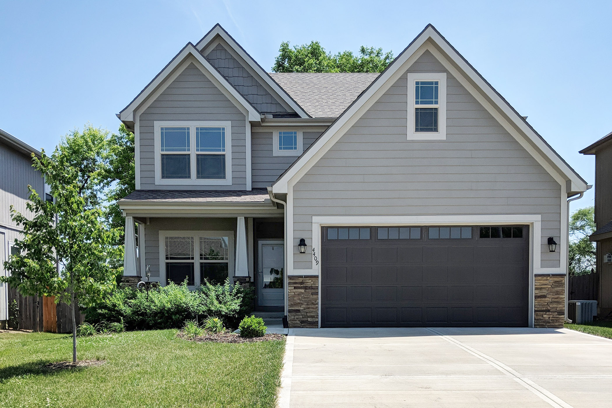 JUST LISTED ~ LIKE NEW Beauty Located Close to Ft Leavenworth & Legends Shopping!