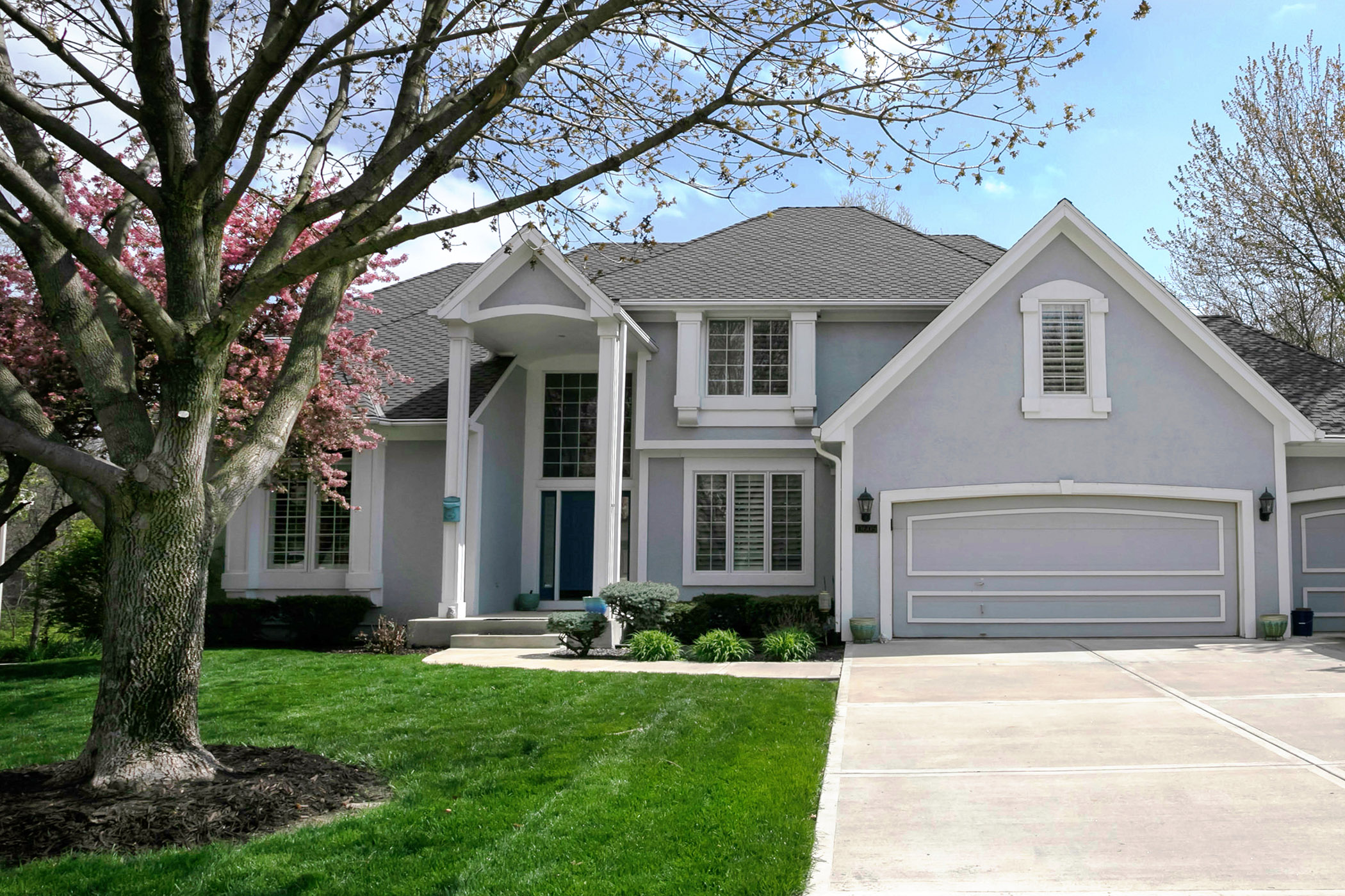 JUST LISTED ~ Gorgeous 5 Bedroom Custom Built Don Julian Home in Woodland Place