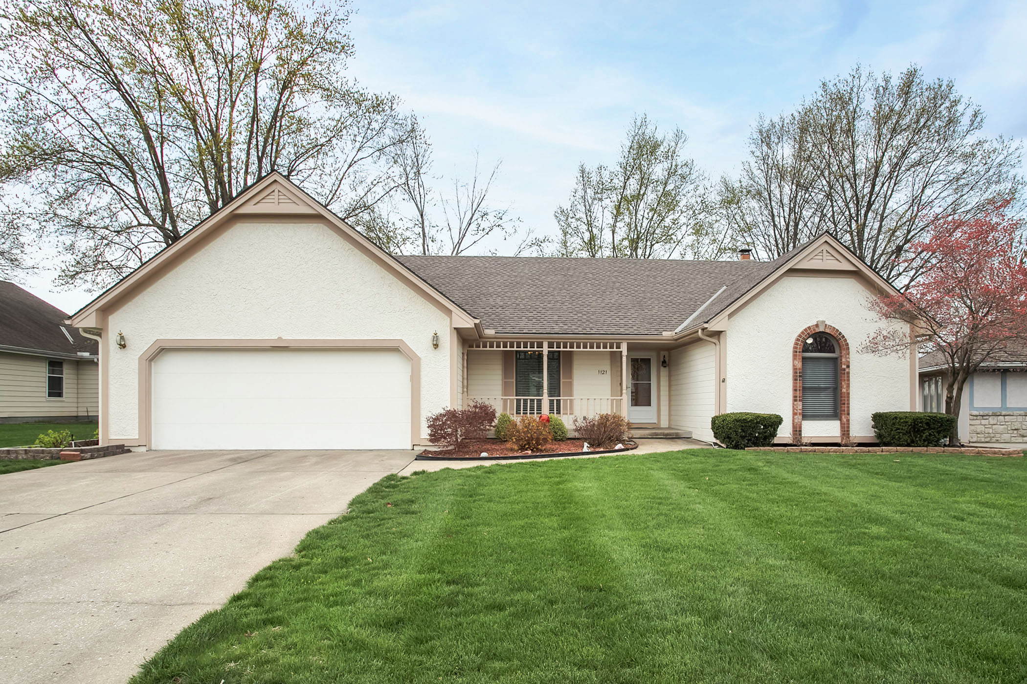 JUST LISTED ~ Wonderful True Ranch Home in Maintenance Free 55+ Community!