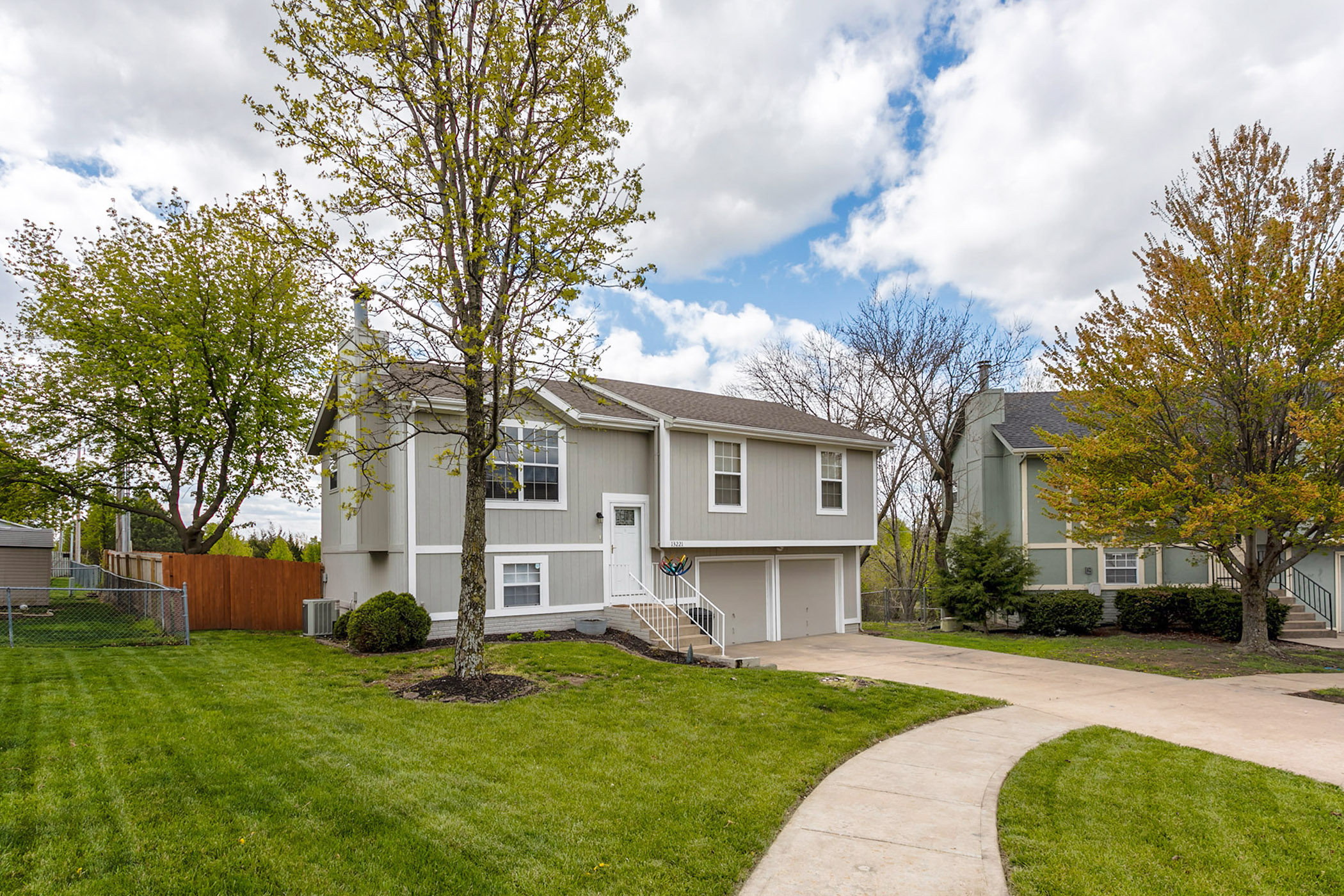 JUST LISTED! Picture Perfect, Move-in Ready, Cul-de-Sac Home!