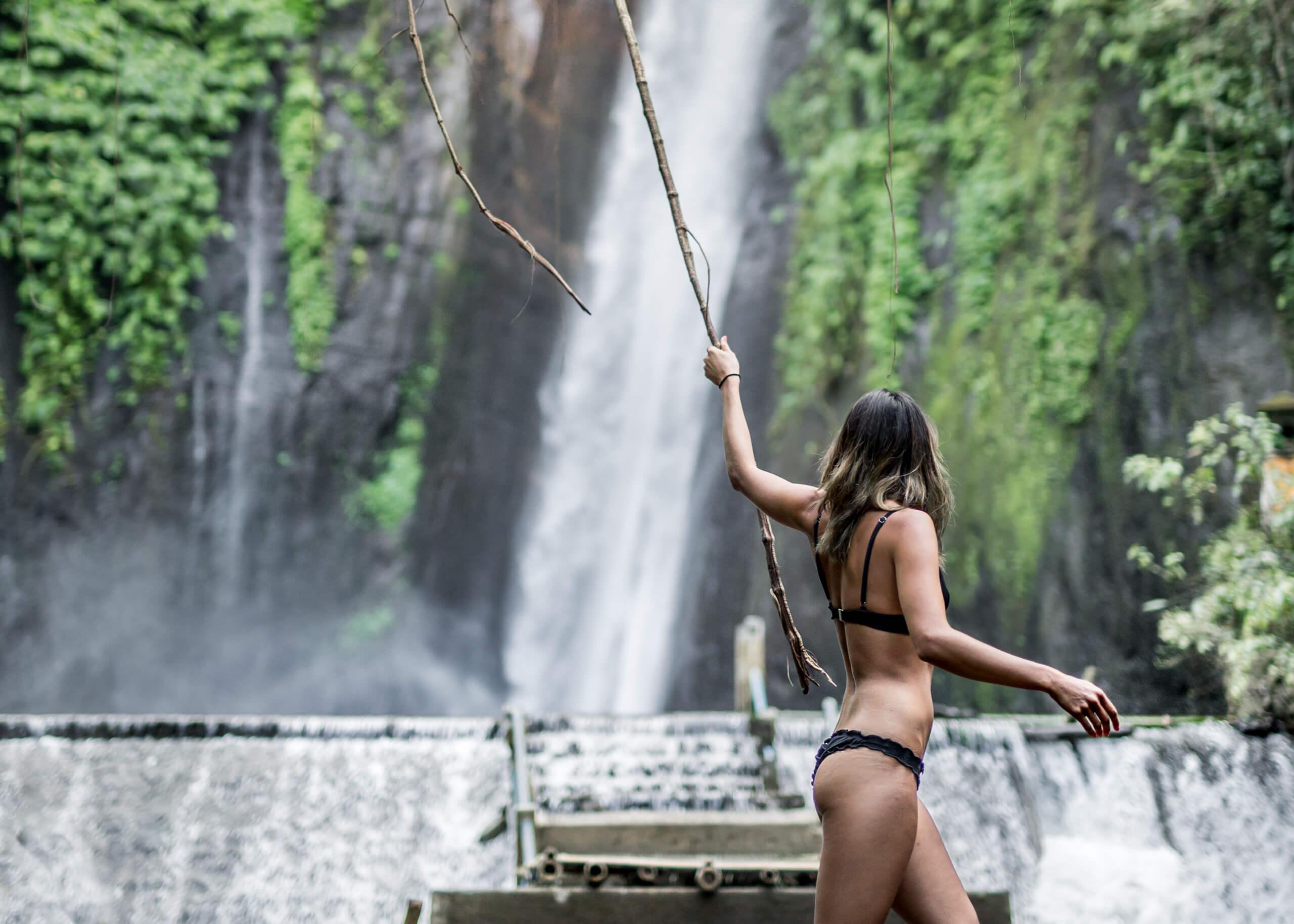 MUNDUK WATERFALL | Jane of the jungle