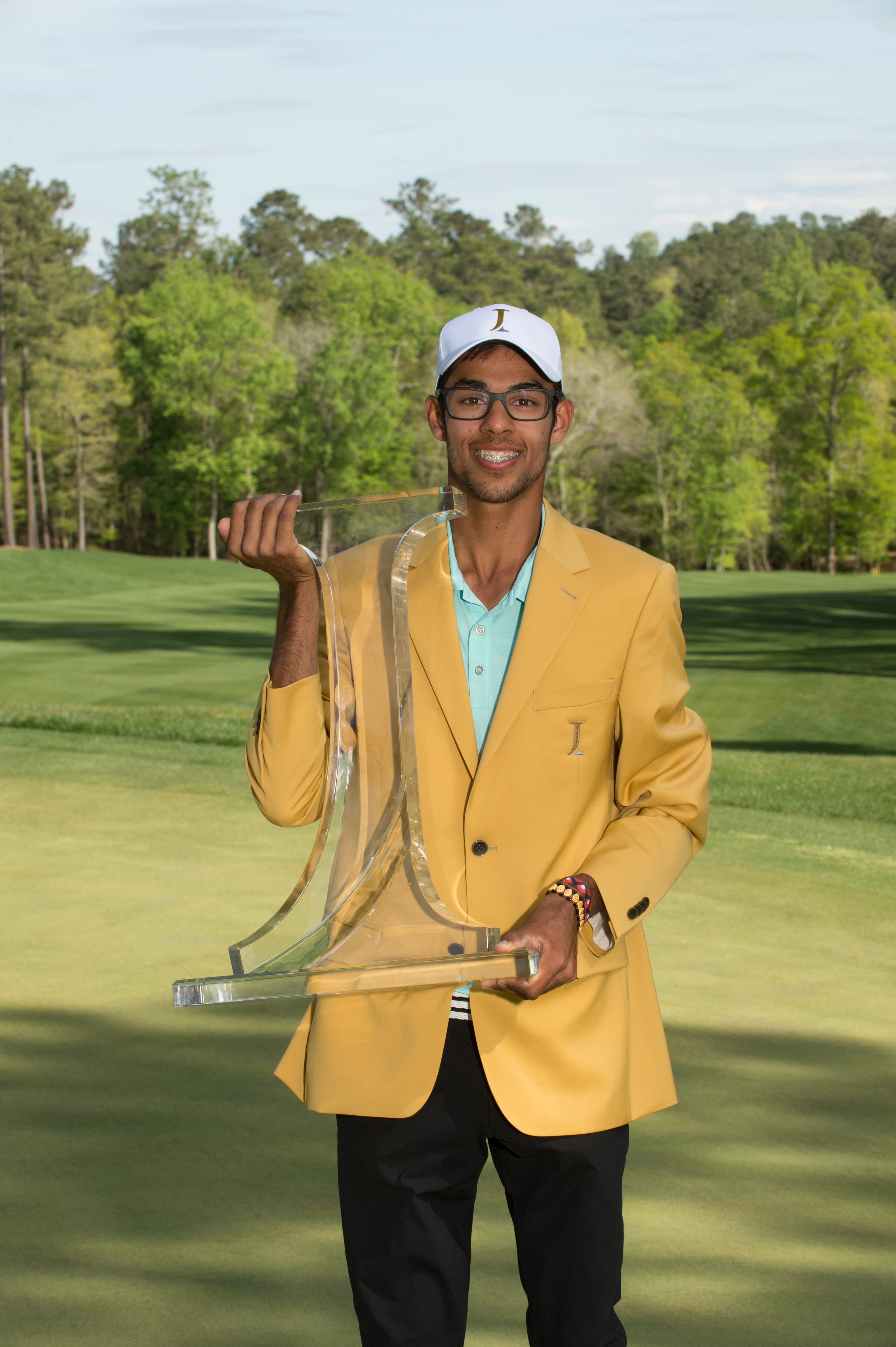 Bhatia Hangs On to Win the Junior Invitational at Sage Valley