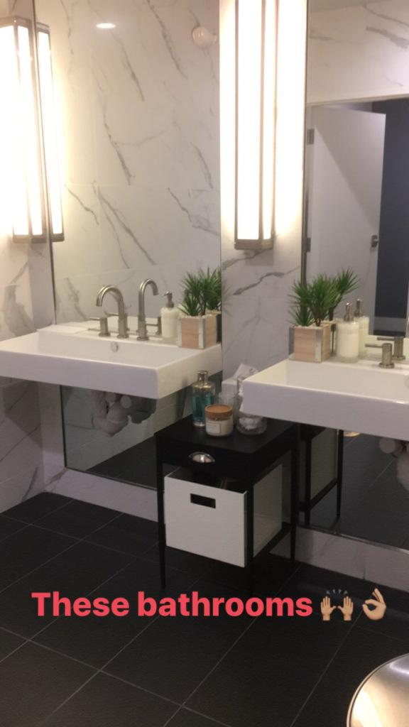 Image of hylo-bathroom