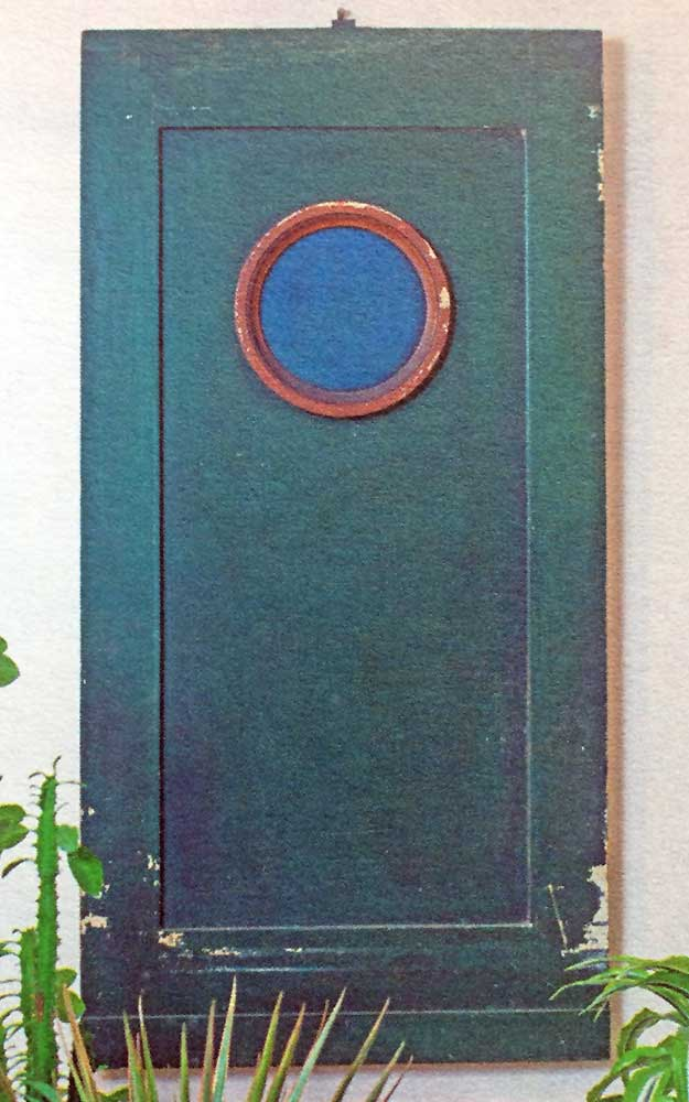 panel with circular motif