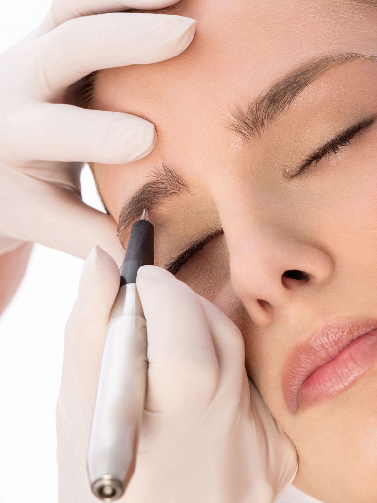 Is permanent eyebrow makeup painful?