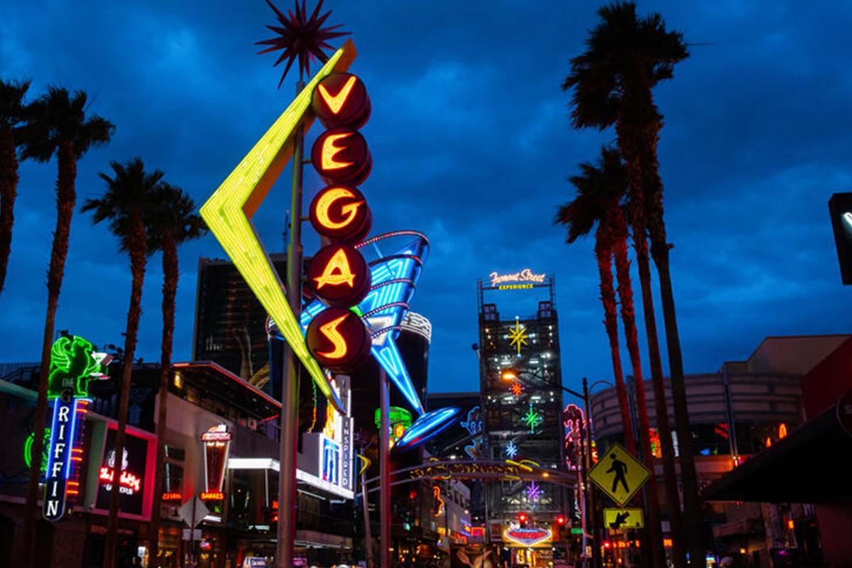 Best Outdoor Bars In DT Las Vegas