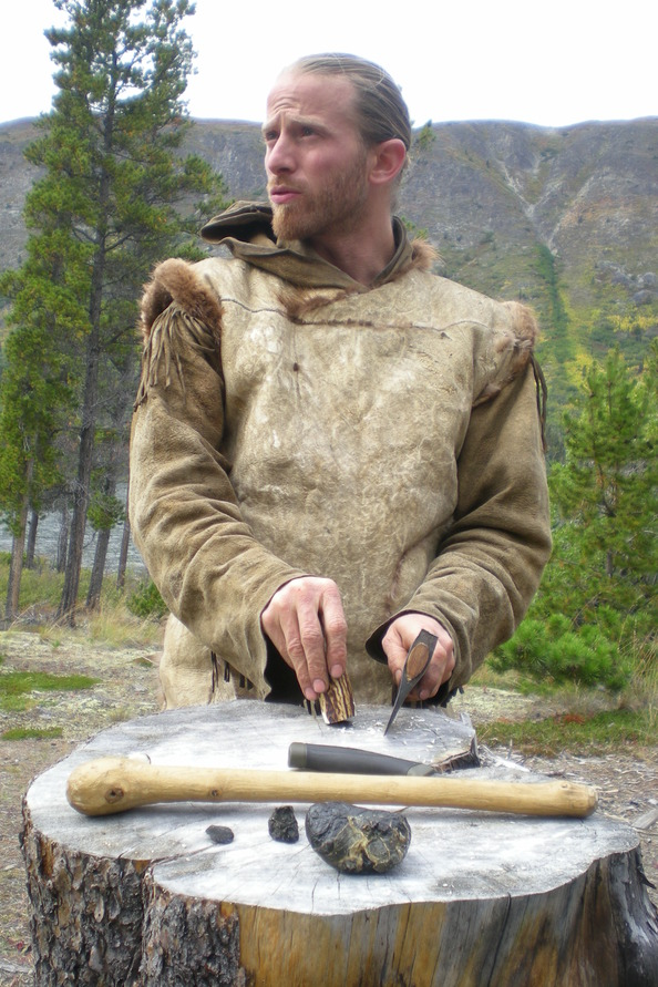 Kim Alaska Kanada Wildnis Experimentelle Archäologie Steinzeit Werkzeug