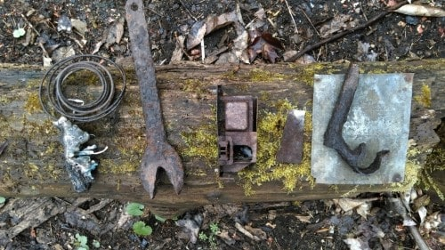 River house - rusty tools 1
