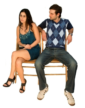 Learn to read body language to start a relationship