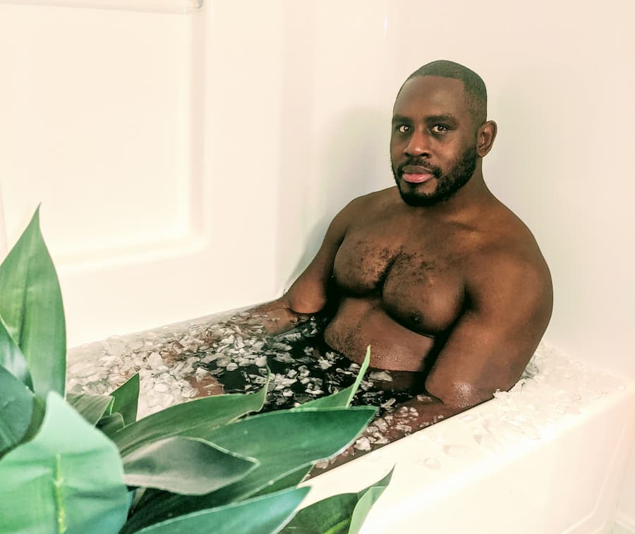 Ed Latimore doing the Wim Hof ice bath