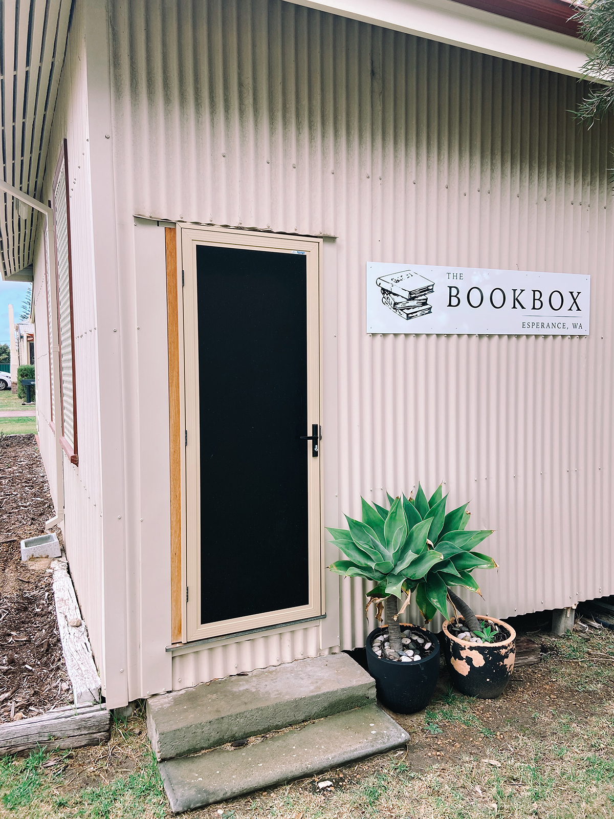 Book Box Esperance building exterior