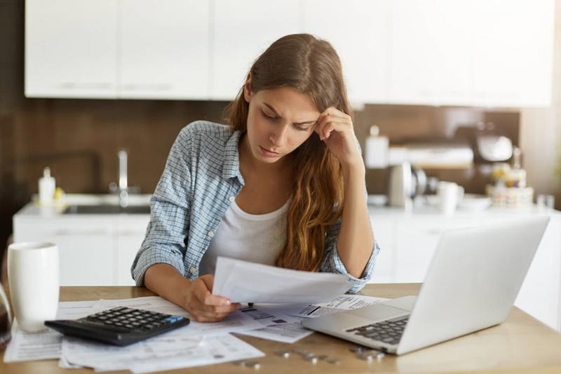 Como lidar com os desafios financeiros de se morar sozinho?