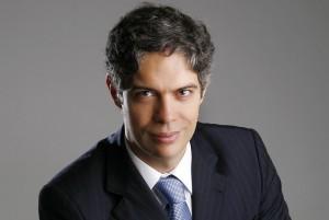 Economia, eleições, imóveis, investimento em evento com Ricardo Amorim