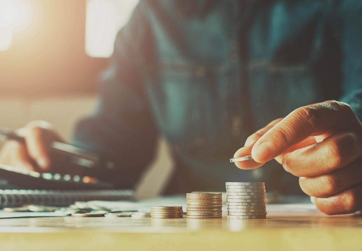Poupar, economizar e investir: qual a diferença?