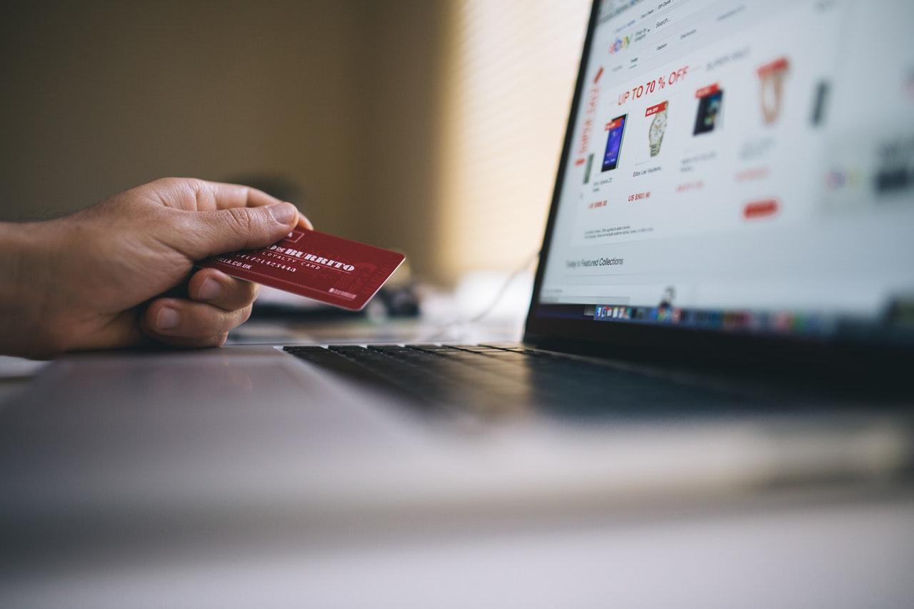 Saiba como investir em um e-commerce para sua marca