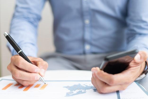 Relato pessoal: Estratégias de como gastar melhor o dinheiro e mudanças de hábitos financeiros.