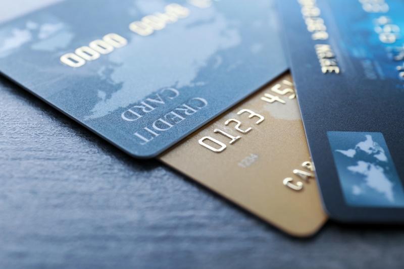 Conheça os prós e contras de se usar o cartão de crédito