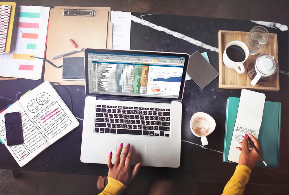 Os 5 benefícios de uma planilha de gastos pessoais