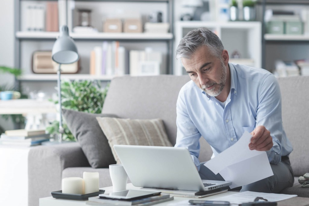 Dinheiro investido e dívidas: como isso impacta o seu bolso