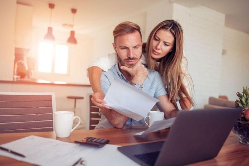 Como ajustar o padrão de vida e gastar menos do ganha