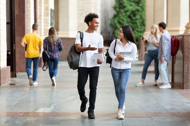 Dicas para economizar e iniciar uma nova faculdade