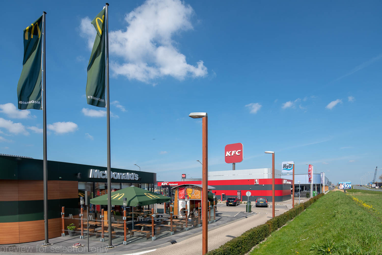 Afbeelding van Bedrijvenschap Hoefweg met McDonalds en KFC