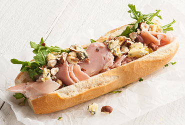 Ham roquette and blue cheese with walnut vinaigrette