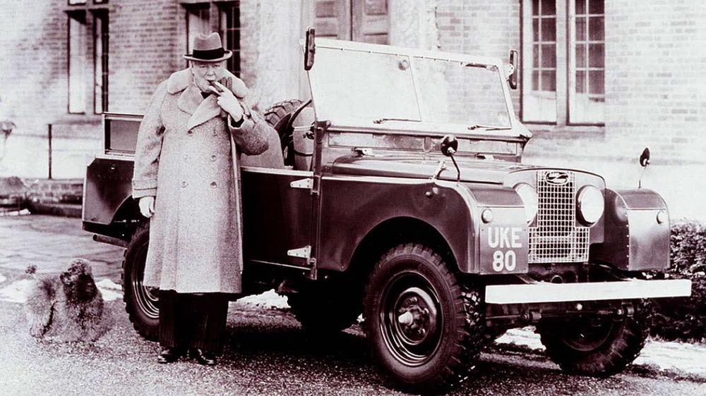 L'équipe de passionnés de véhicules de la seconde guerre mondiale