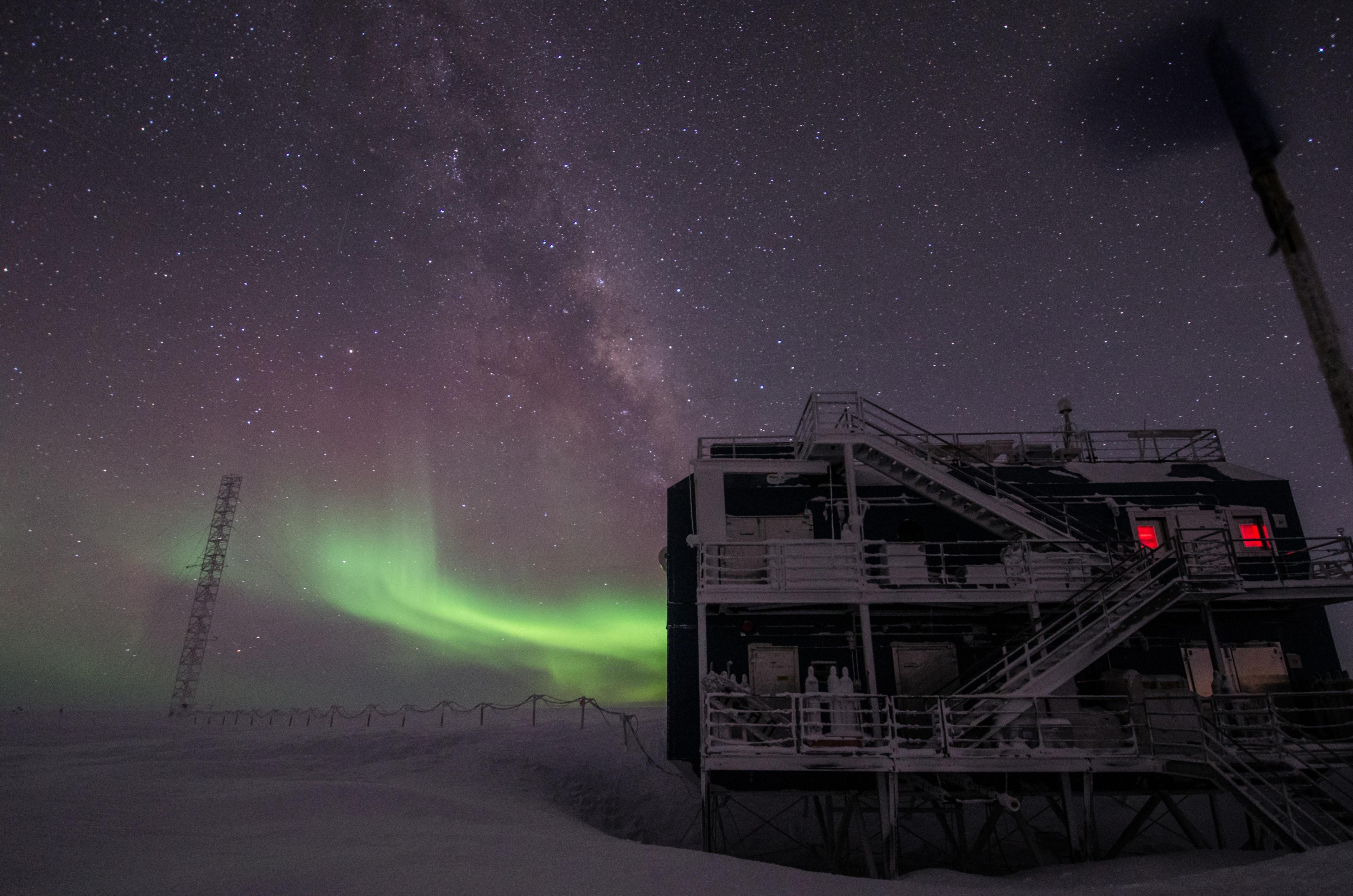 antarctica at night