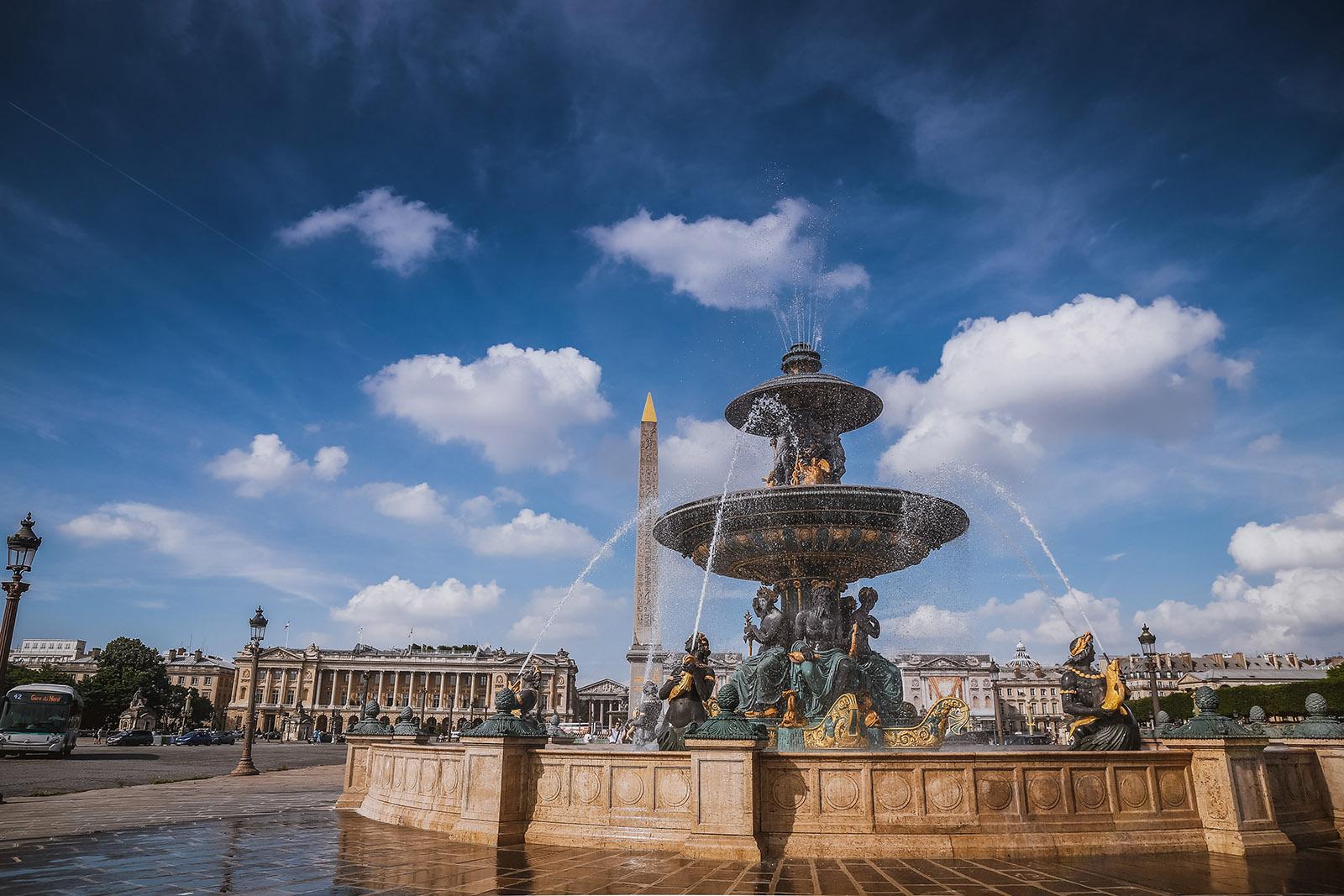place de la concorde on a sunny day in paris