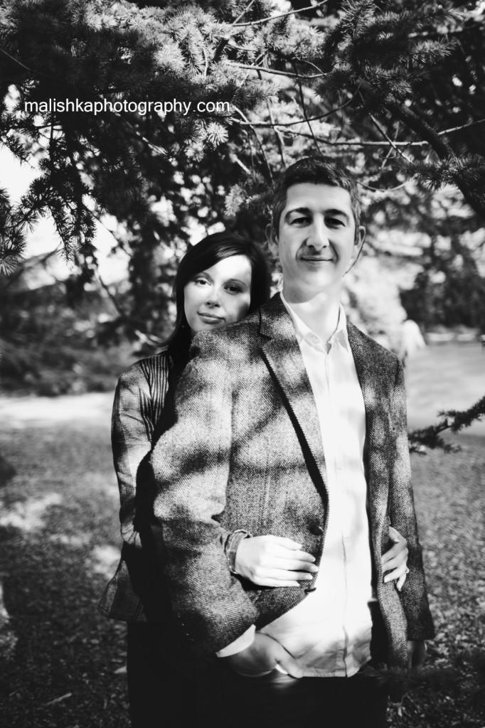 Romantic black&white couple photo