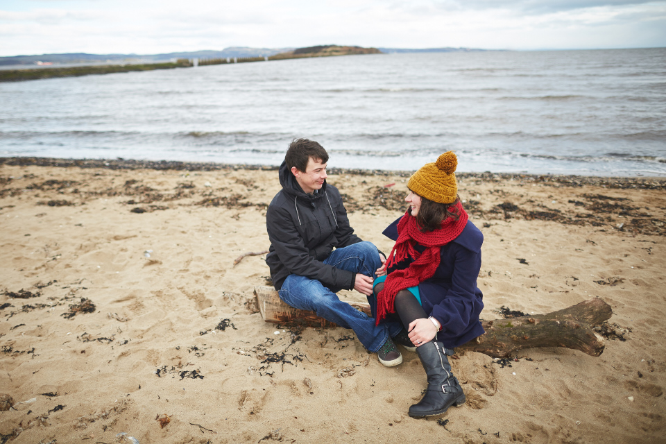 Seaside couple photo session Scotland