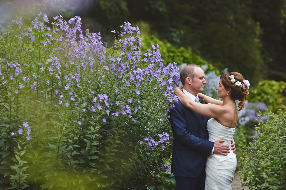 Bride & groom portraits in the gardens of Eastwood House