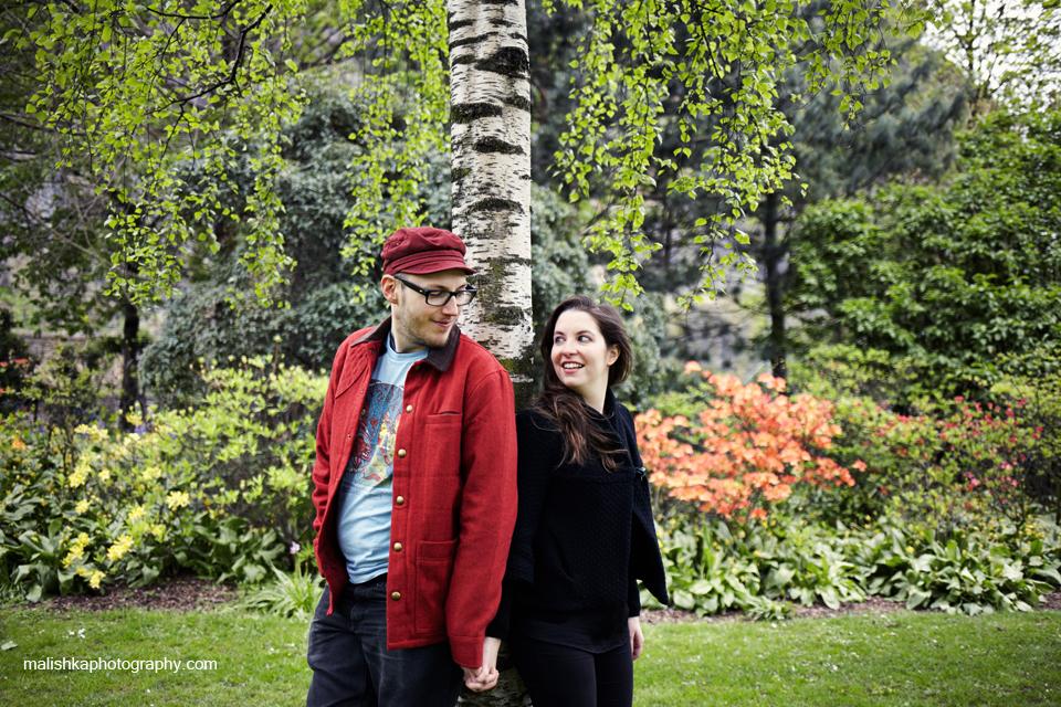 Couple photo session at Princes Street Gardens in Edinburgh