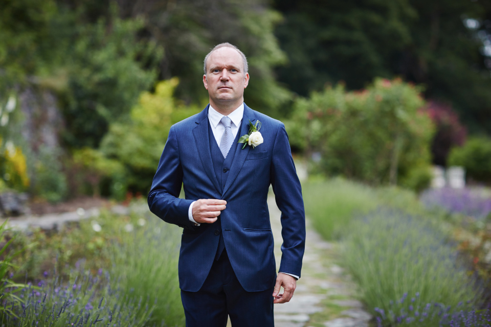 Groom portraits at Eastwood House