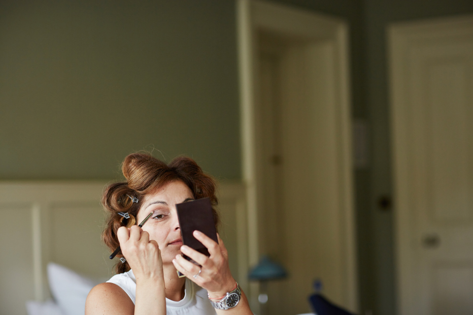 Bride getting ready at Eastwood House, Dunkeld