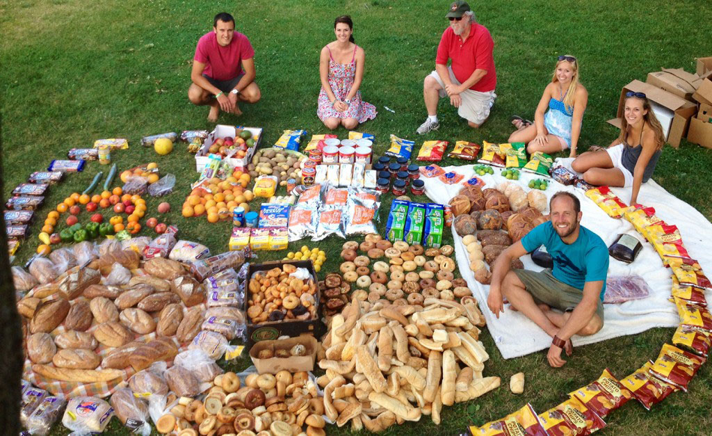Rob Greenfield recovered all this food from dumpsters in Madison, Wisconson