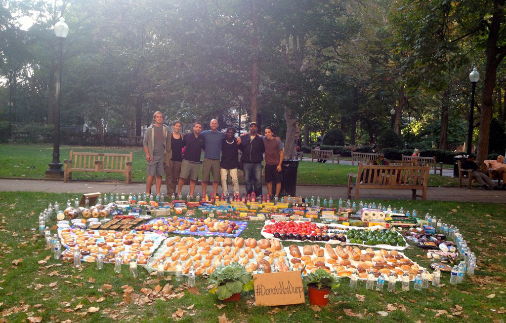 Rob Greenfield recovered all this food from dumpsters in Philadelphia